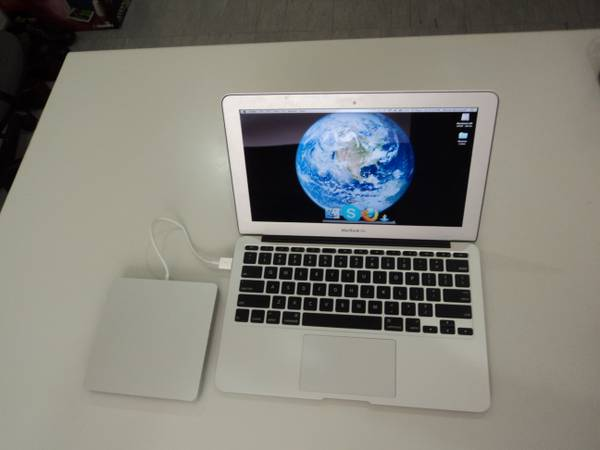 MacBook Air 11-inch photo