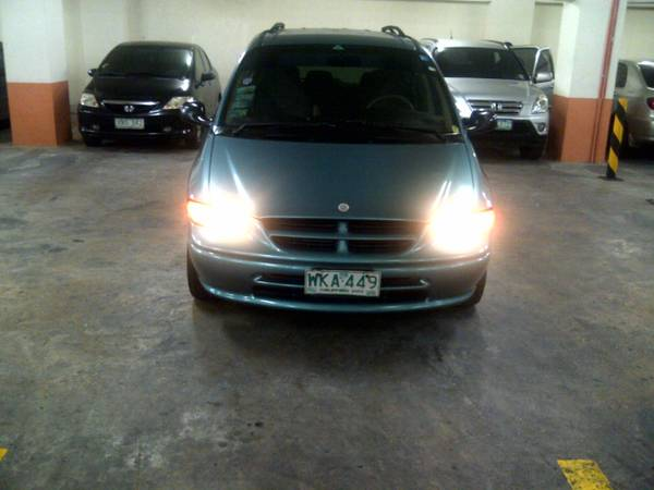 Chrysler/Dodge Caravan image 2