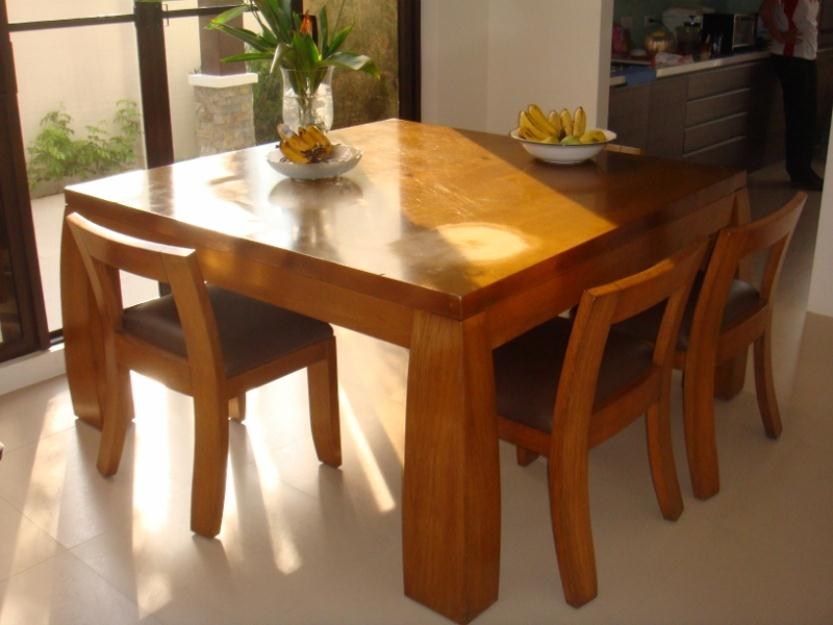 Wooden Dining Set Photo
