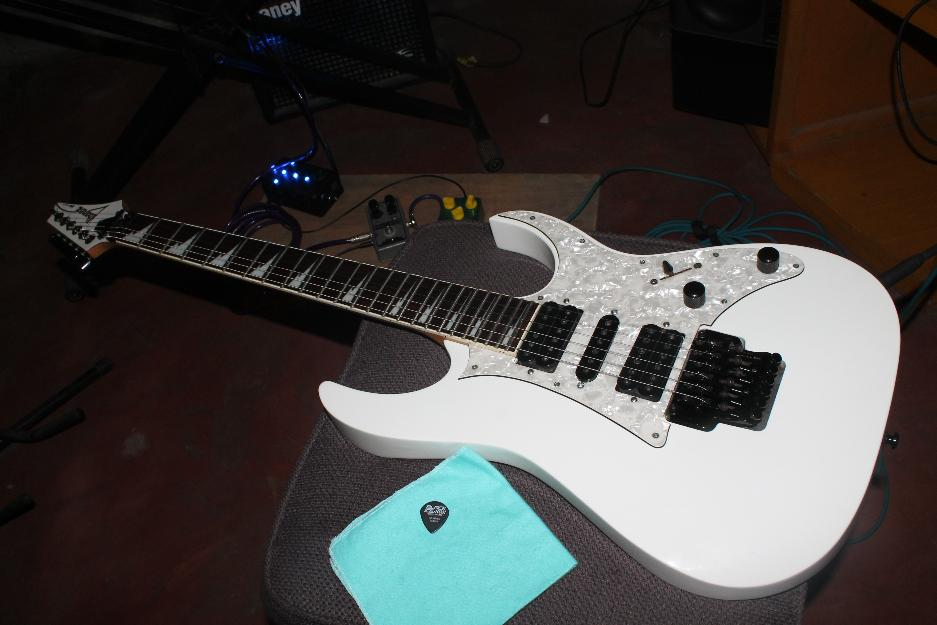 white ibanez rg350dx used philippines. Black Bedroom Furniture Sets. Home Design Ideas