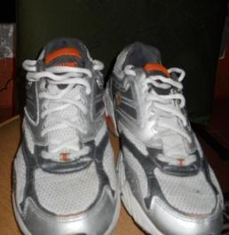 Spalding Running Shoes photo