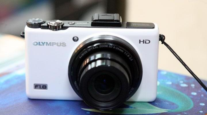 Olympus xz-1 HD f1.8 dslr like photo