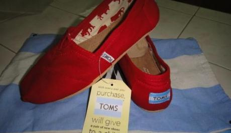 Red TOMS FLAT Authentic photo