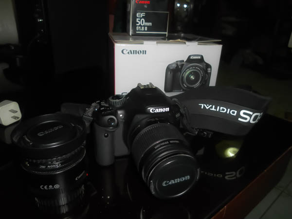 Canon EOS 550D w/ Kit Lens 18-55 and 50mm f/1.8 II photo
