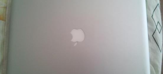 Apple Macbook Pro 15inch Quad Core i7 2.2Ghz 2011 photo