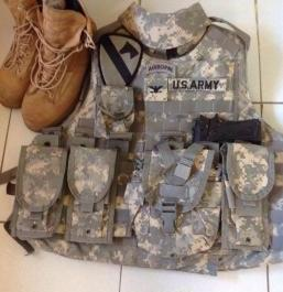 Bullet proof vest, sapi plates carrier photo