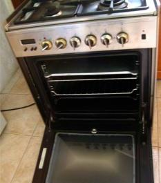 Elba Gas Electric Range Stove Top with Oven photo
