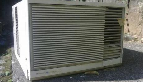 national 1.2 hp window type aircon unit photo