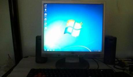 desktop computer set core2duo e7200 photo
