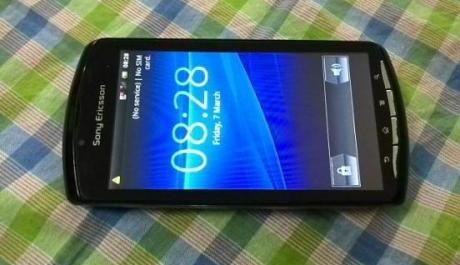 sony xperia play black photo