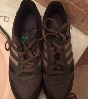 Adidas Shoe Size 10 photo