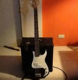 Electric Bass guitar and ampli photo