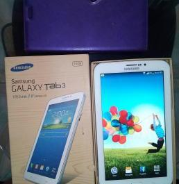 White Samsung Galaxy Tab 3 SM-T211 photo