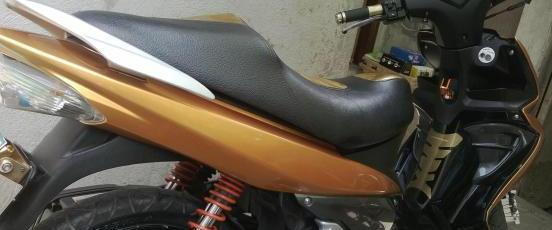Suzuki Hayate 125cc GOLD limited edition photo
