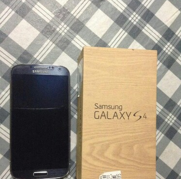 Samsung Galaxy S4 GT I9505 photo