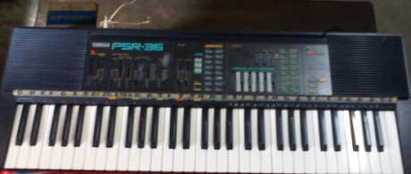 Yamaha Organ Keyboard PSR-36 photo