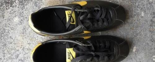 Nike cortez black yellow size 7.5 mens original photo