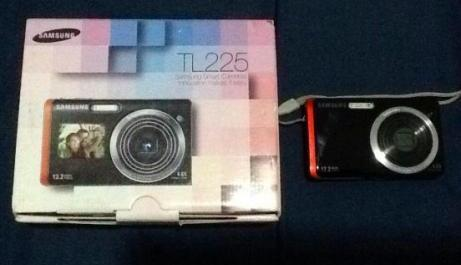 Samsung TL225 dualview camera photo