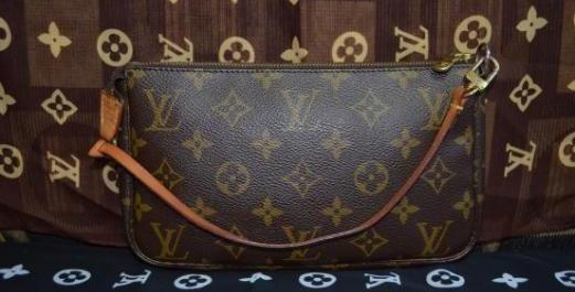 Louis Vuitton Authentic ITEM #13 photo