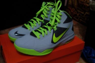nike body u basketball shoes photo