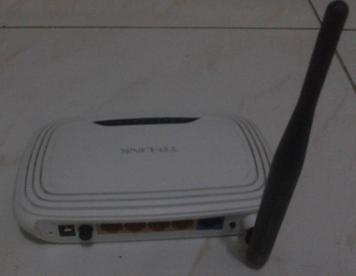 TP-LINK Router and Switch Hub image 4