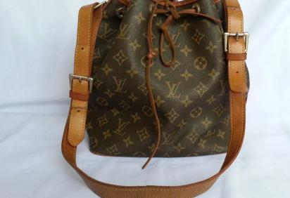 Louis Vuitton Monogram MM draw string bag photo
