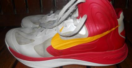 nike hyperfuse size 11 photo