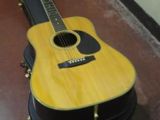Morris wm-35 acoustic guitar Solid top photo