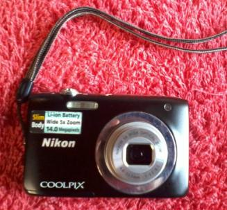 Nikon Coolpix digi cam photo