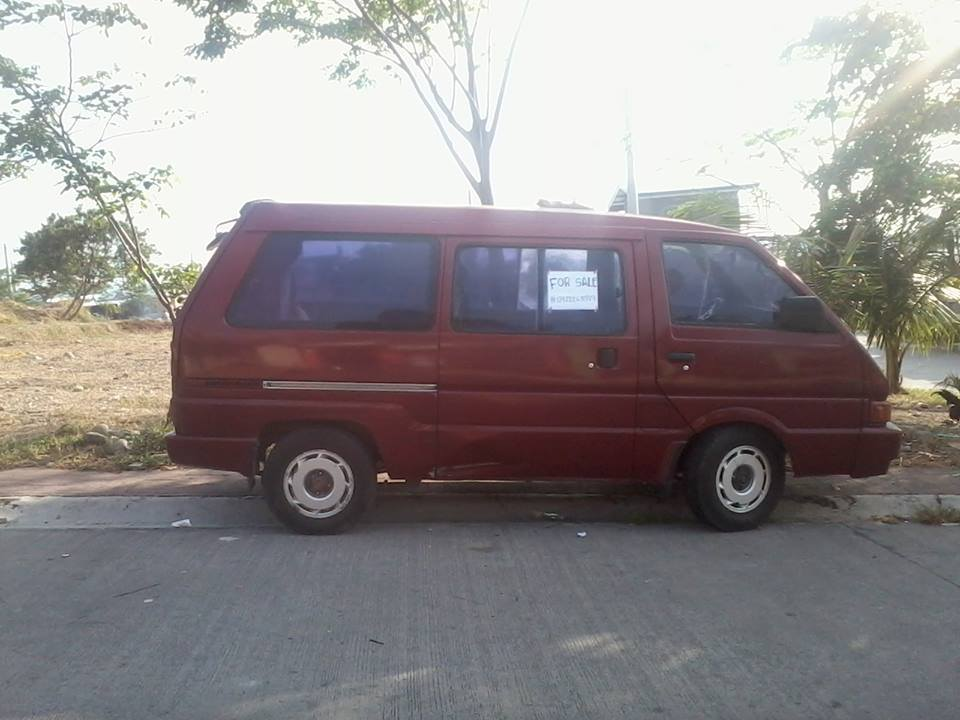 Nissan Vanette  1994 MODEL photo
