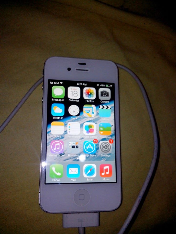 iphones 4S White 8Gb photo