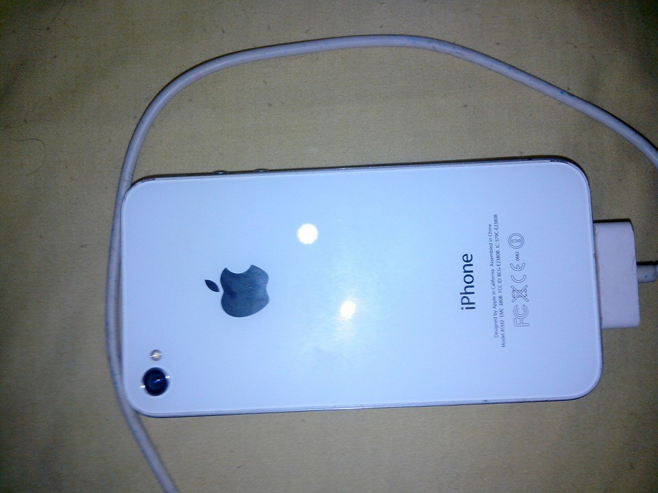 iphones 4S White 8Gb image 2