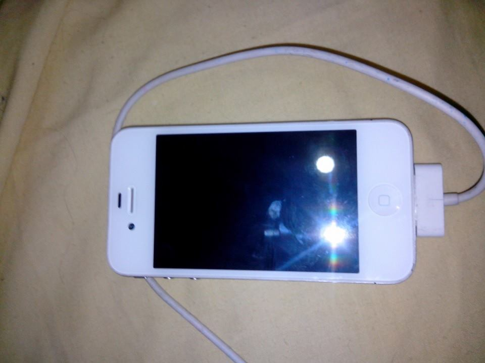 iphones 4S White 8Gb image 4