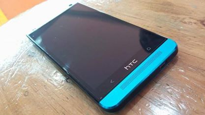 HTC One M7 4g LTE Blue 32GB photo