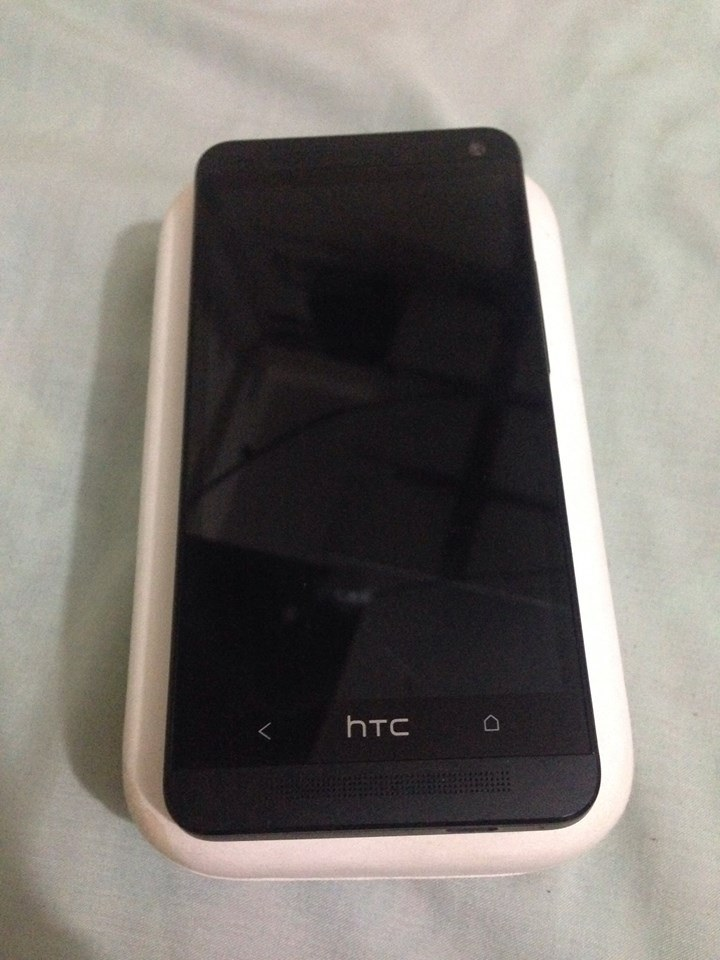 HTC One M7 32gb Black photo