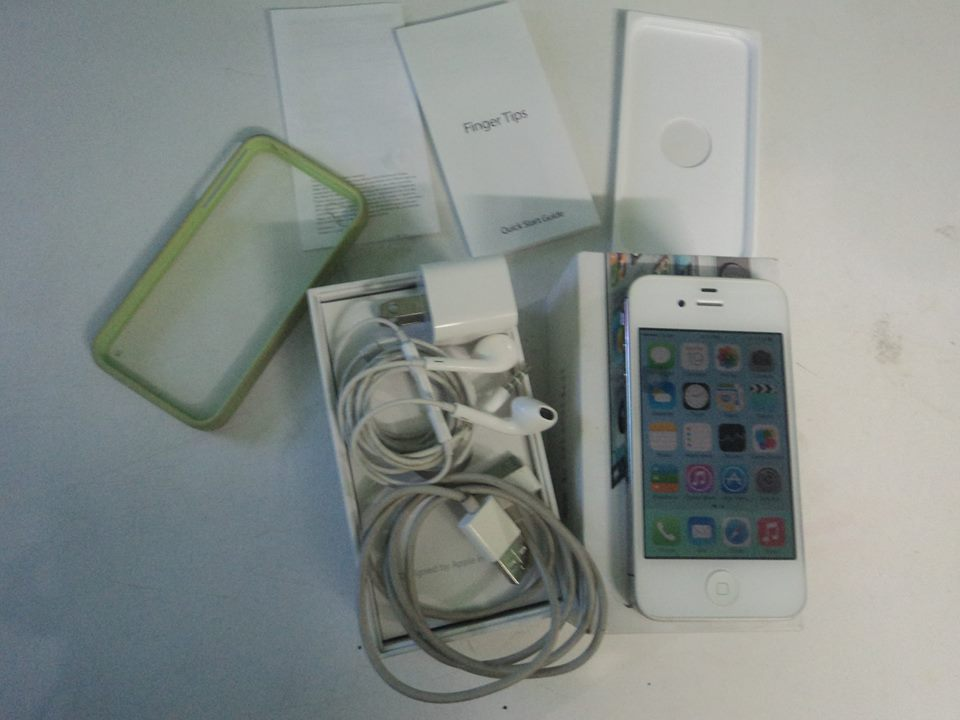 Original Iphone 4s 32gb white Smooth Globe locked photo
