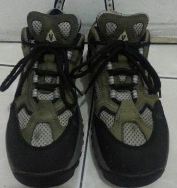 Vasque Hiking Shoes Low Cut photo