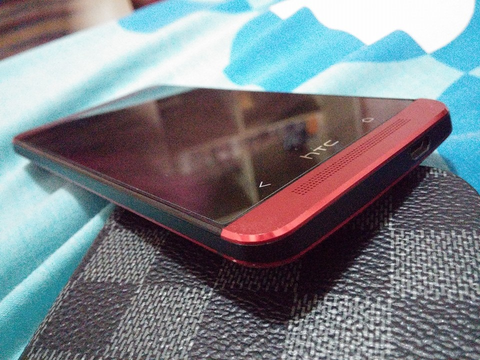 HTC One M7 Red 32GB photo
