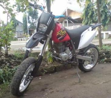 Honda XR200 modified photo