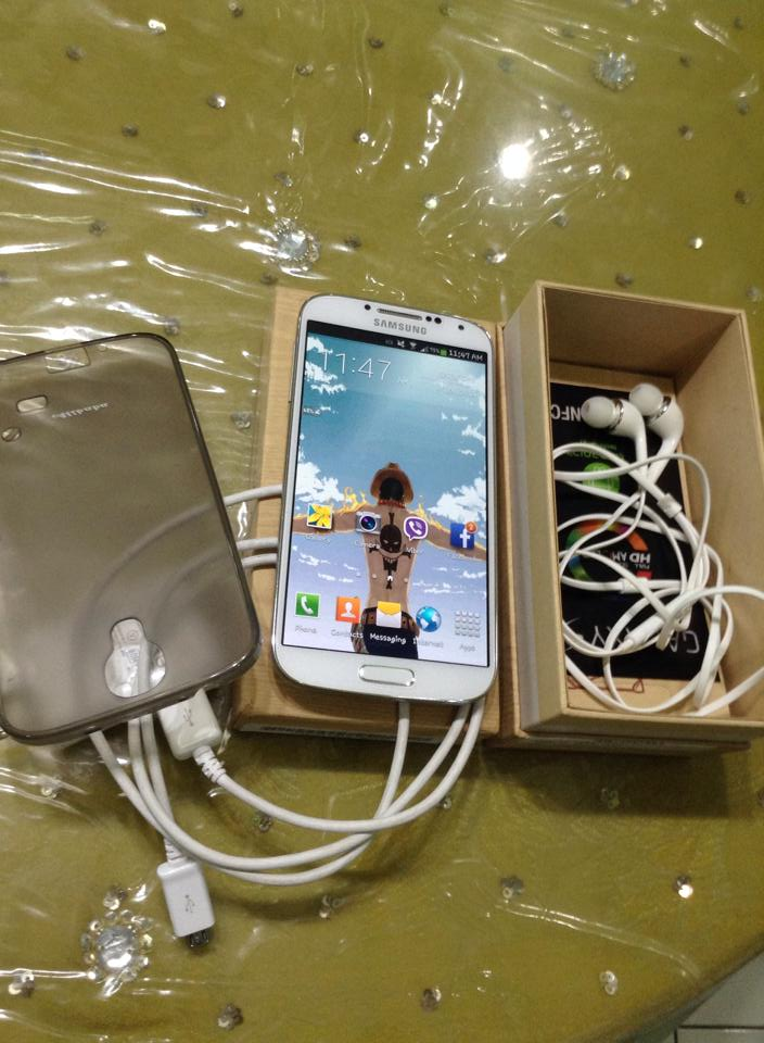 Samsung Galaxy S4 Gt-i9505 16gb white frost photo