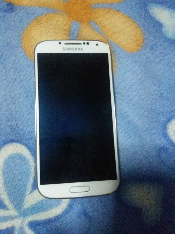 Samsung Galaxy S4 Gt-i9505 16gb LTE Whitefrost Local Ntc sealed photo