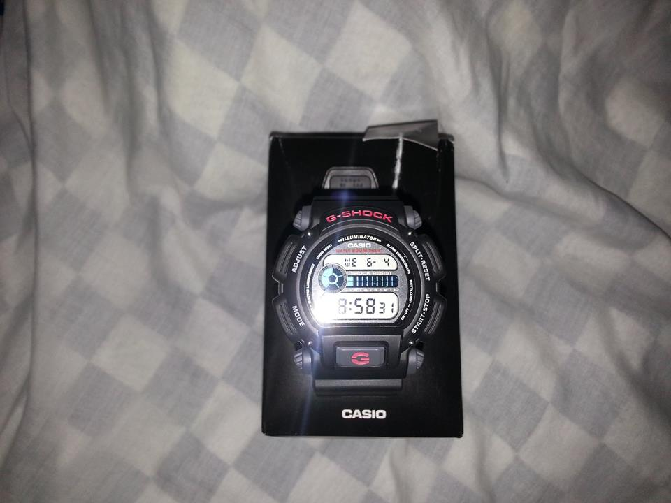G-SHOCK dw9052-1vdr photo