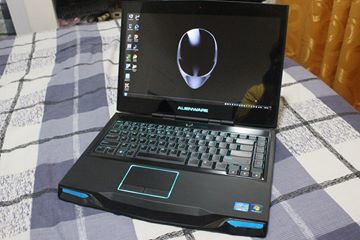 Alienware M14x R2 - Ultimate Gaming Laptop photo