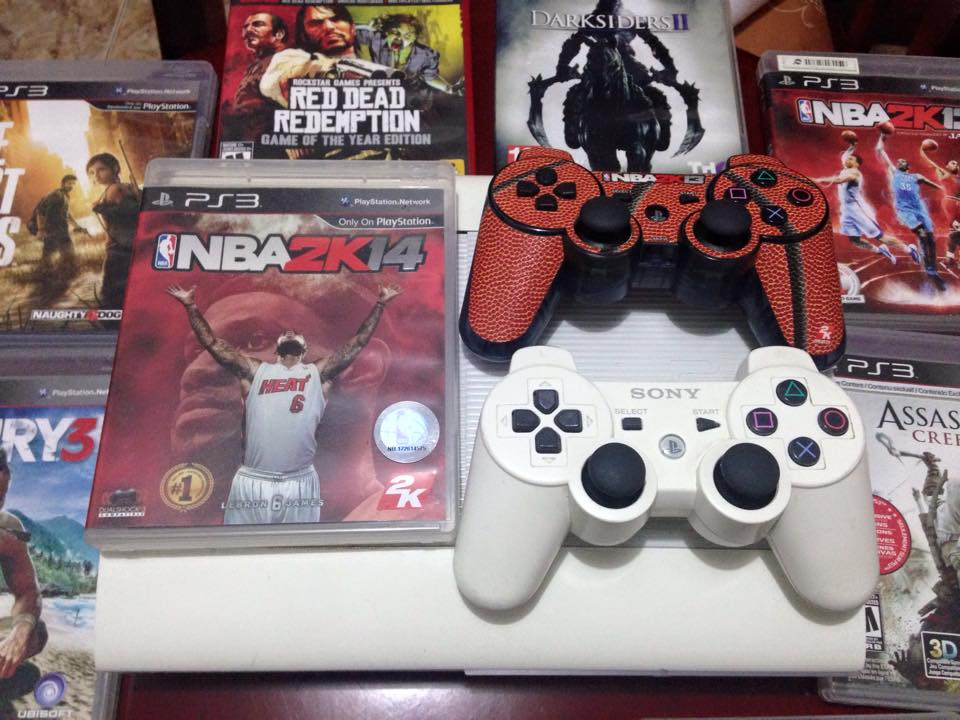sony ps3 super slim white photo
