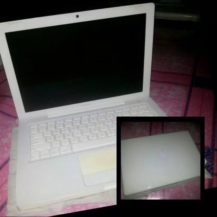 Apple Macbook A1181 photo