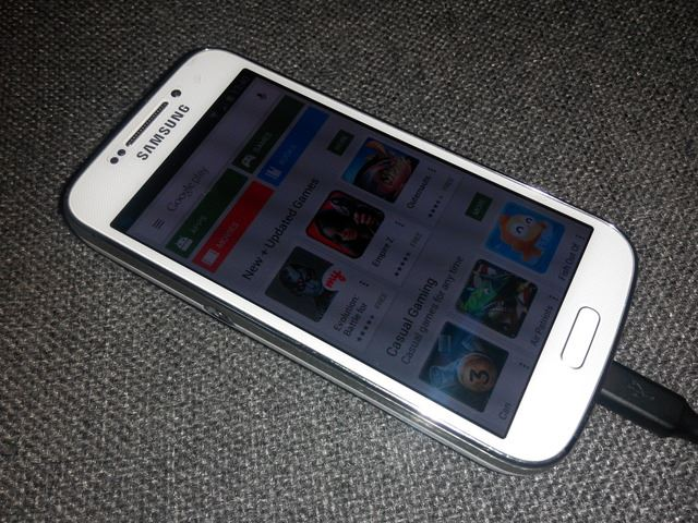 Samsung Galaxy S4 Zoom white 8gb photo
