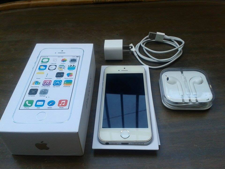 iPhone 5s 16gb White/Silver Openline via Rsim(Smart/Sun lang pwede) photo