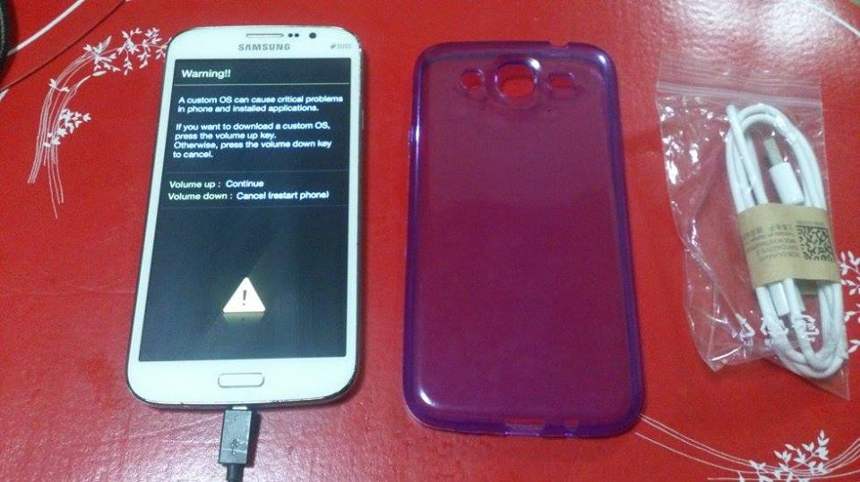 Samsung Galaxy Mega 5.8 GT-i9152 Duos White with 1 case photo