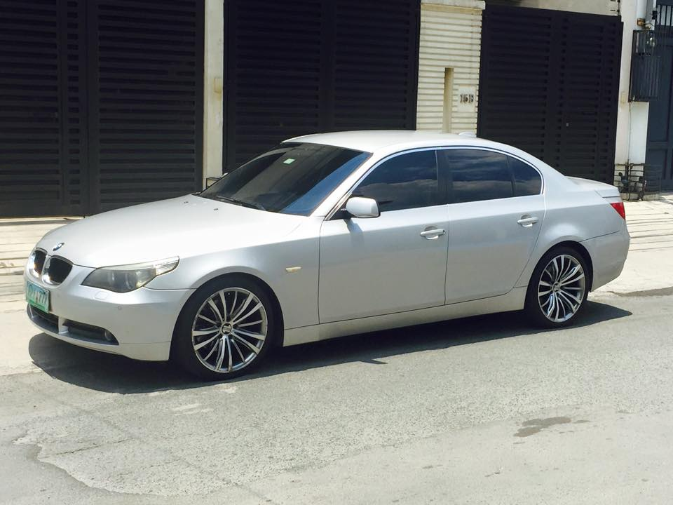BMW 520i / E60 automatic silver 2005 model photo