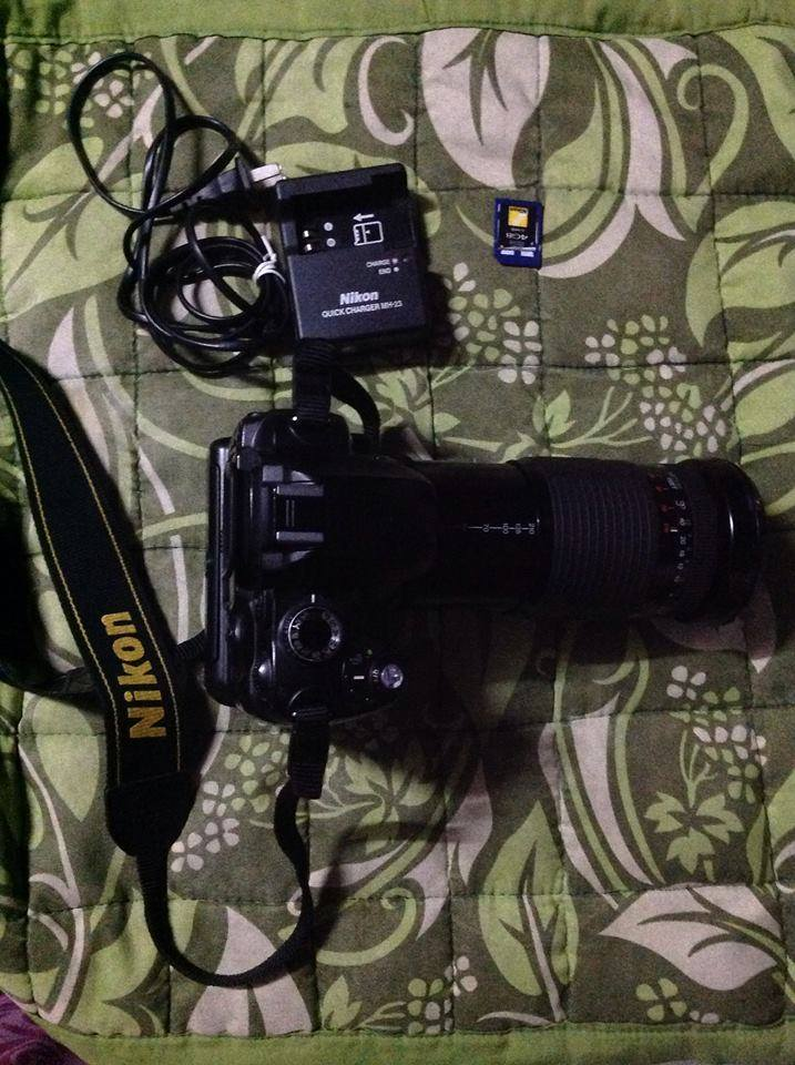 DSLR nikon d60 with 28-210mm lens and battery grip photo
